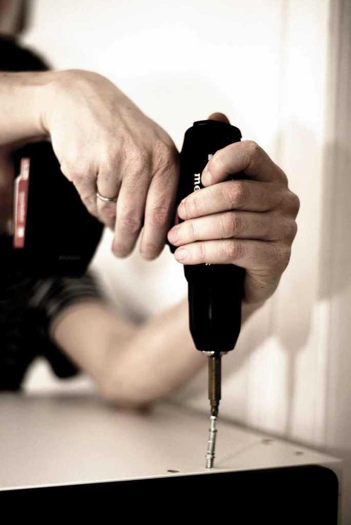 Akkuschrauber – Schrauben und Bohren mit einem Gerät